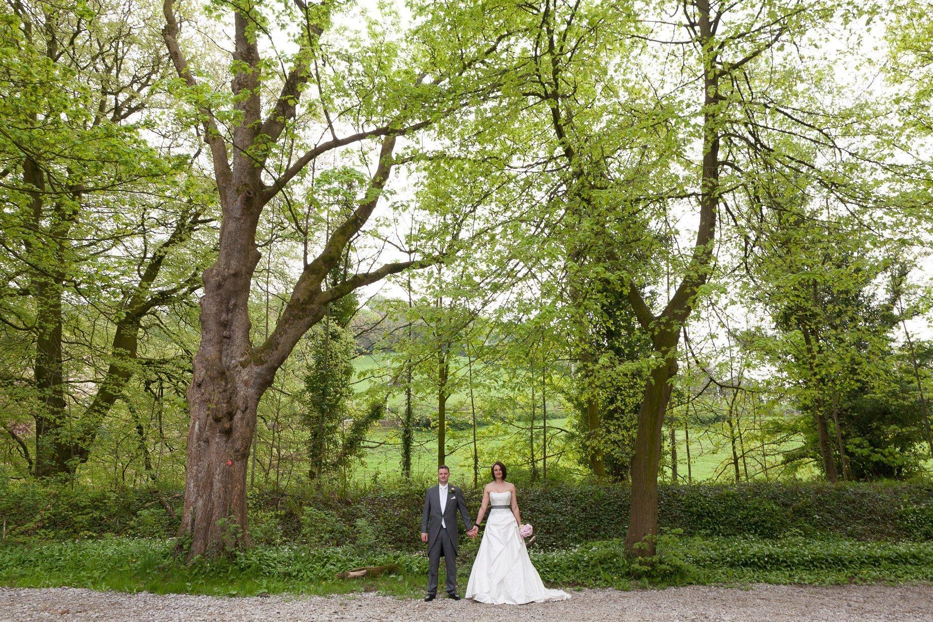 Laura & Simon Whalley Abbey Wedding Photographer